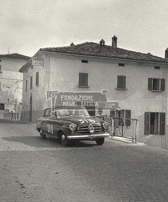 XXII Mille Miglia auto Borgward Isabella TS numero 318 di Umberto Cagli-Sergio Banti