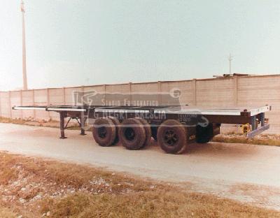 Acerbi semirimorchio tipo 4S4C7A per trasporto container